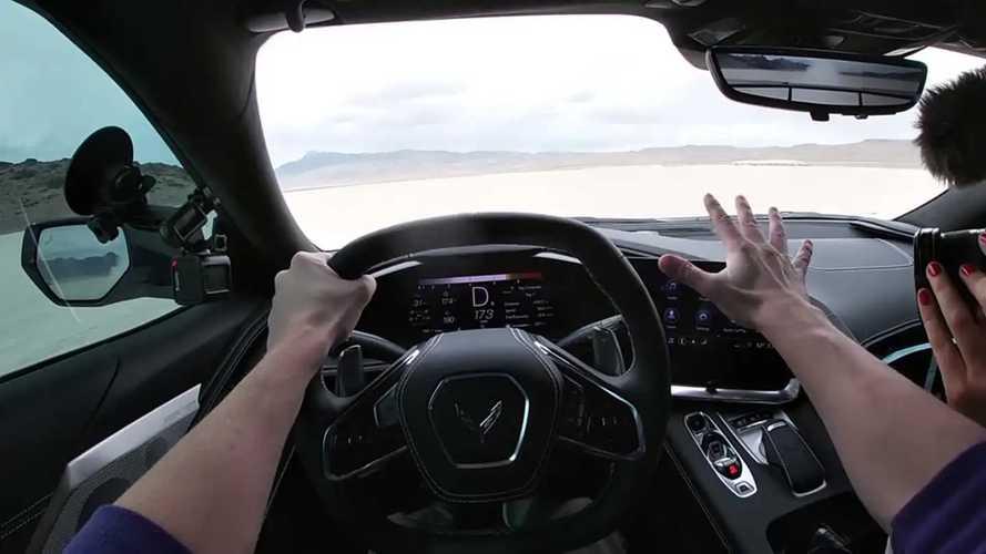Chevrolet Corvette, a massima velocità su un lago prosciugato