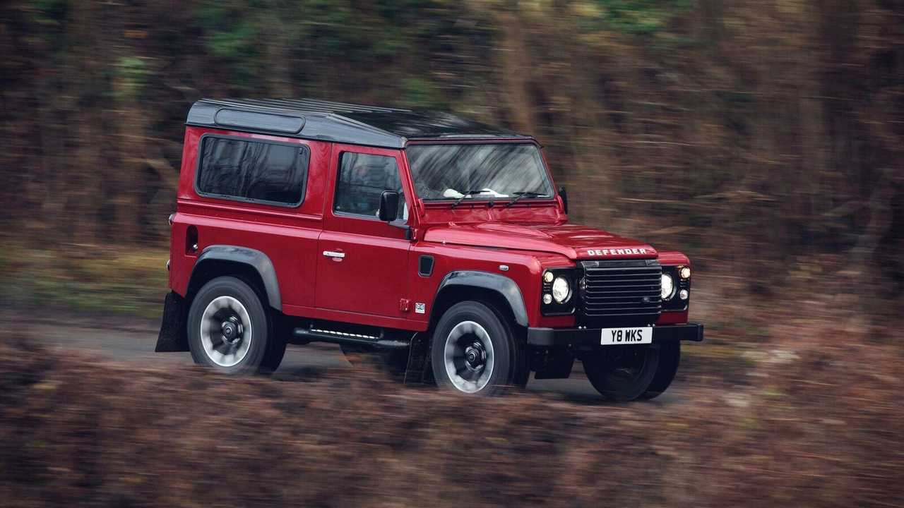 Land Rover to build 150 classic Defender V8s