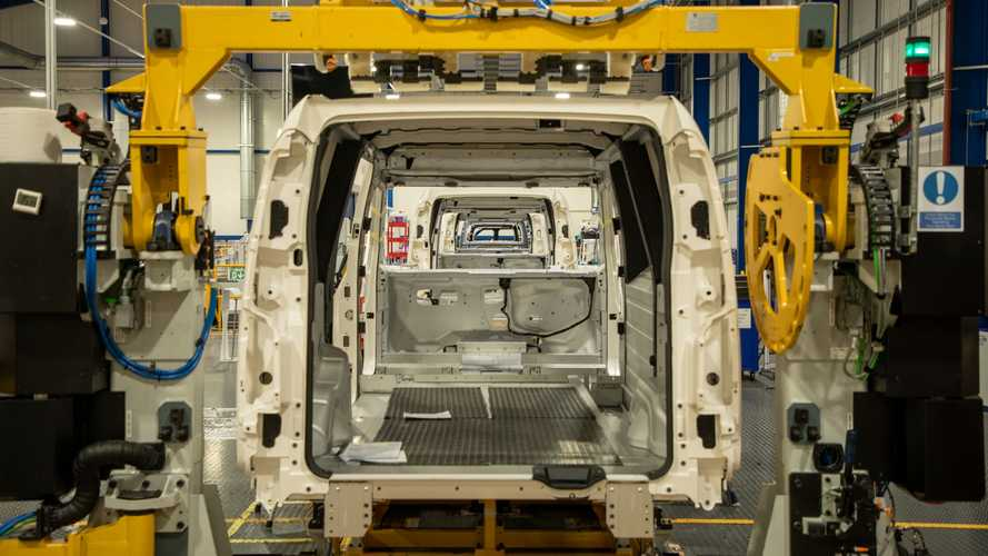 UK commercial vehicle production sank by a quarter in October