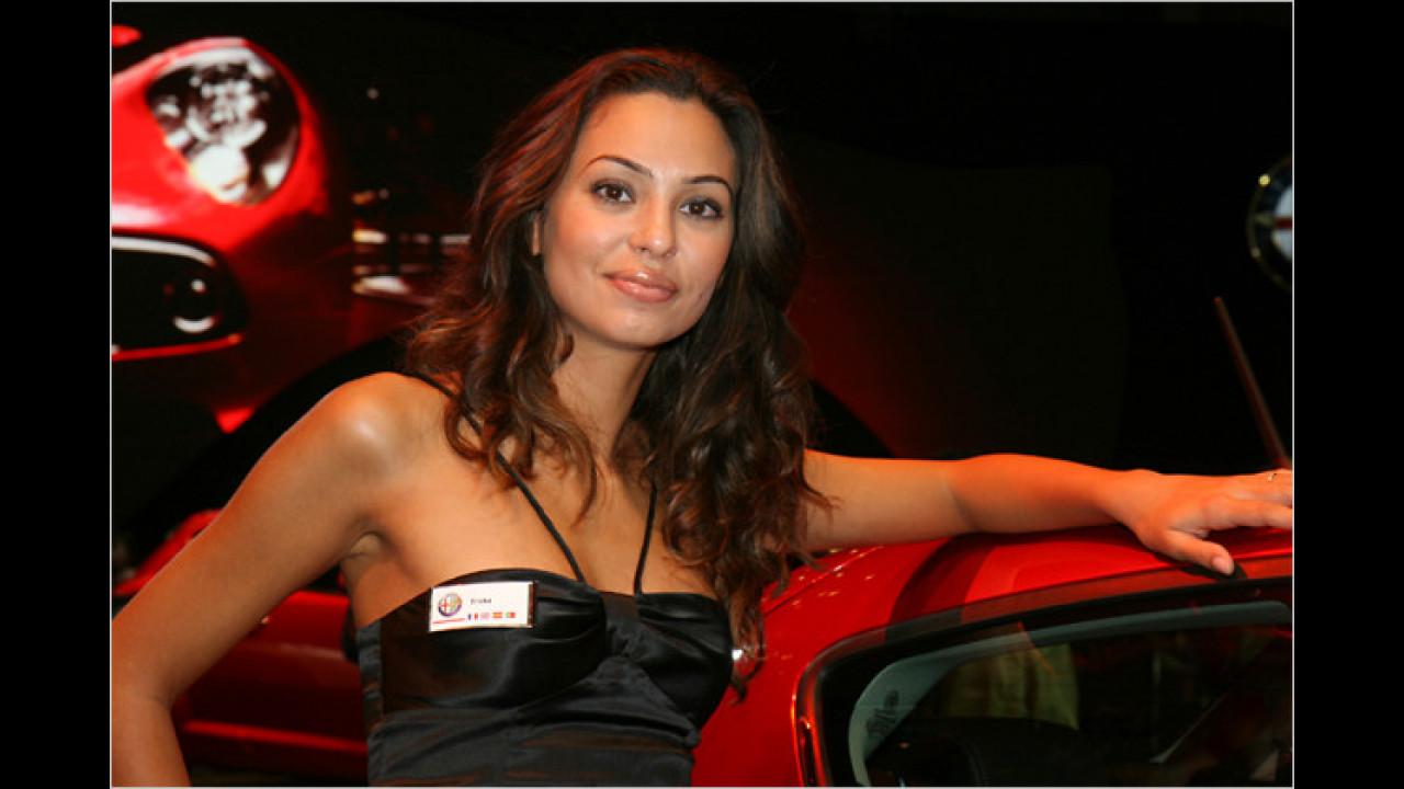 Bei Alfa sind wirklich schöne Damen. Klar, da sind ja auch die meisten Romeos