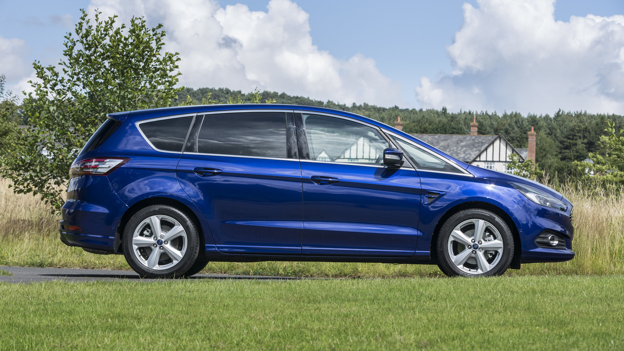 2017 Ford S-Max Review