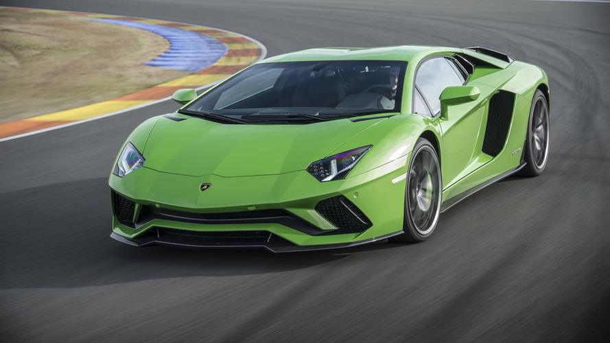 "RWD Aventador Ruled Out Because It Would Be ""Difficult To Manage"""