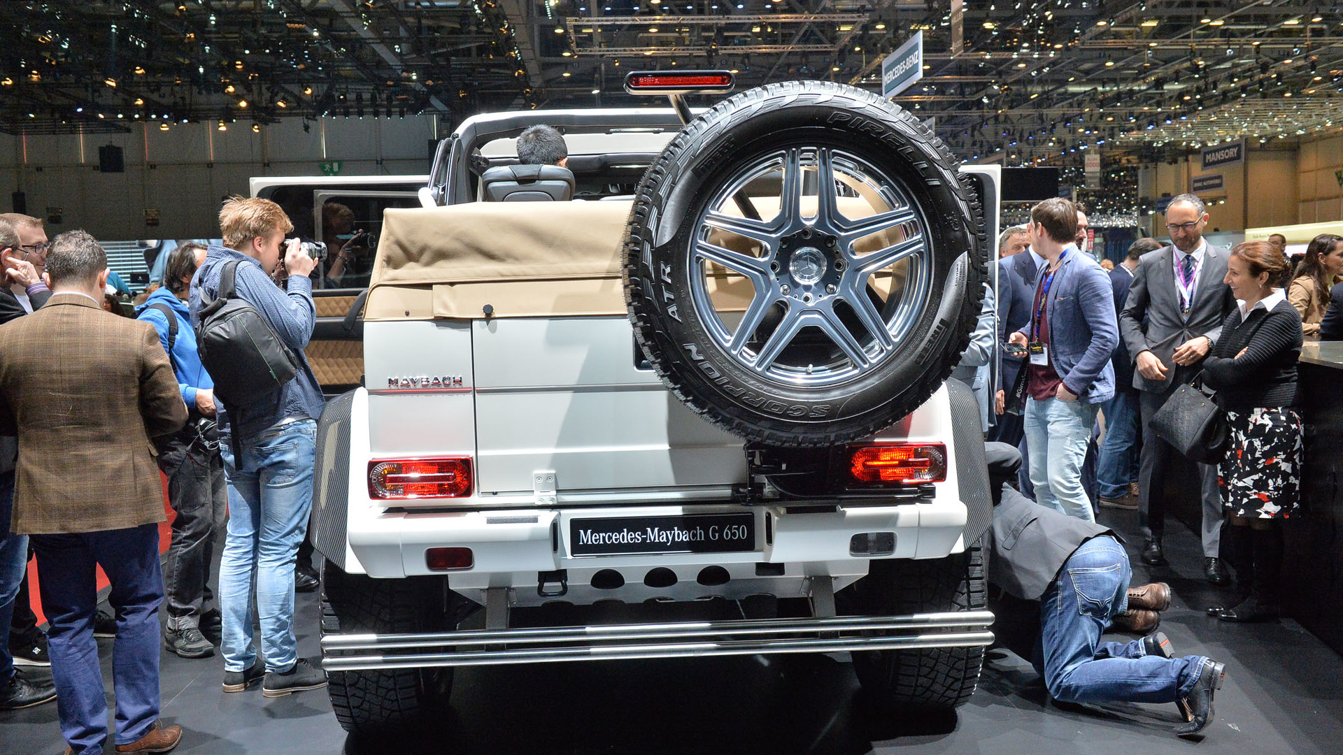 Last Mercedes Maybach G650 Landaulet Auctioned For 1 4m