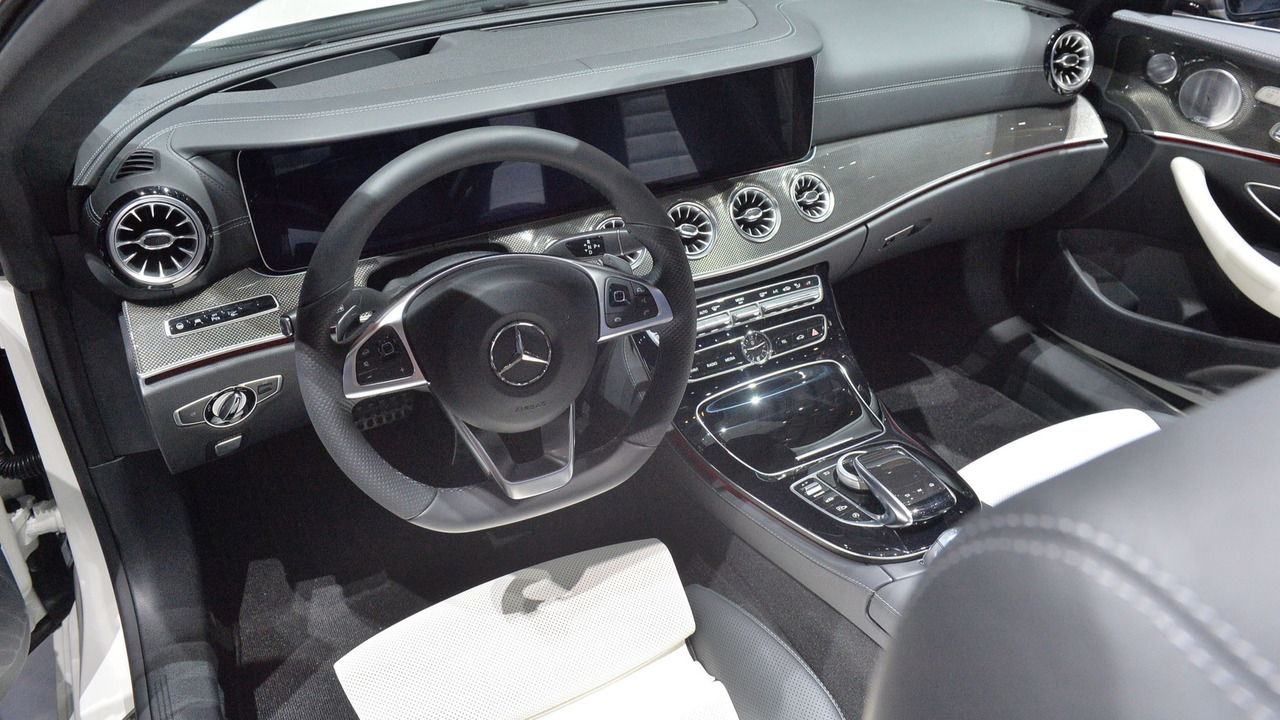 Mercedes E-Class Coupe, Cabrio Get Clever Four-Cylinder Engine
