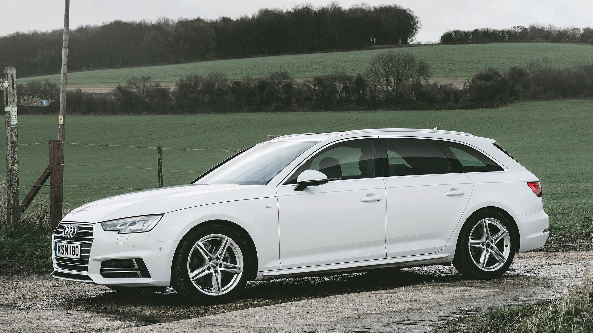 Kelebihan Audi Avant A4 Review