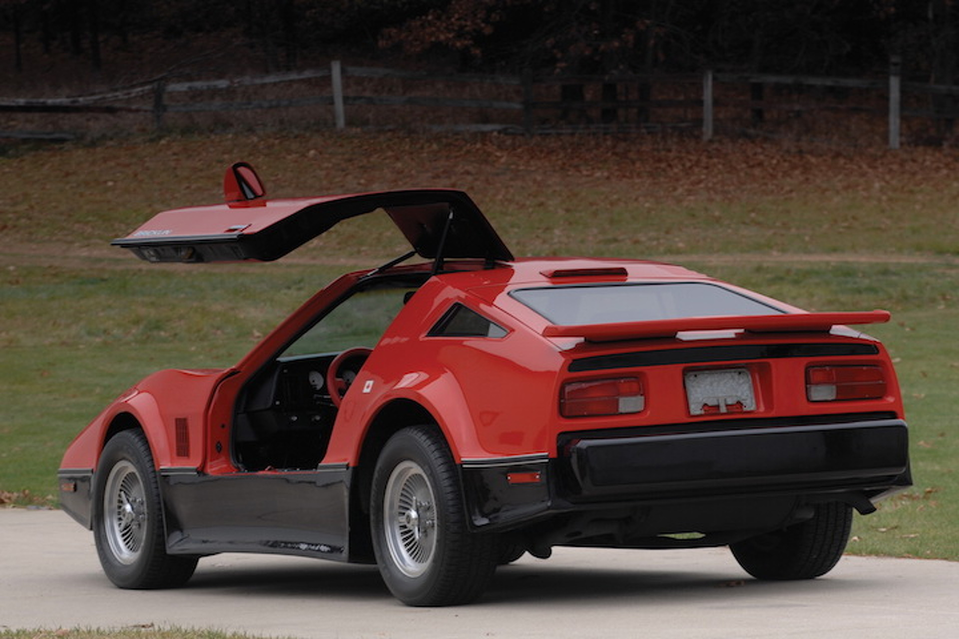 5 Cars With Gullwing Doors That Aren T The Delorean Dmc 12