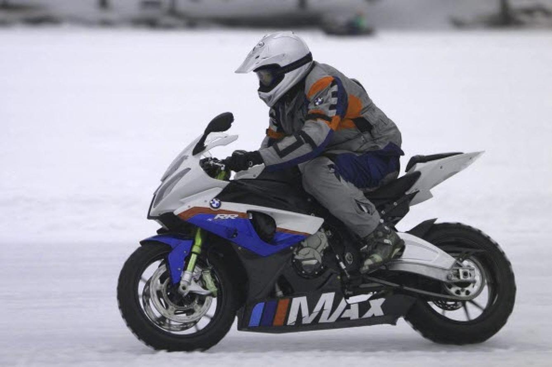 MAX BMW Runs 107 MPH on the Ice