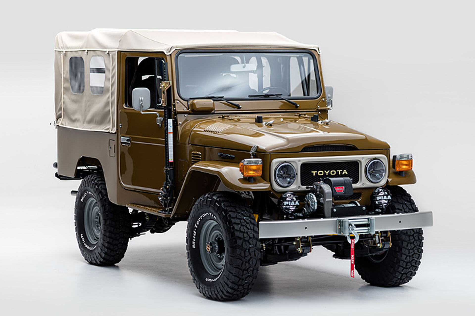 This Vintage 81 Toyota Land Cruiser Is Perfectly Wild