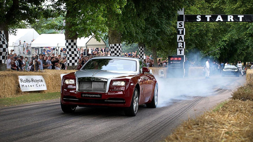 Rolls-Royce Wraith beat a Porsche 918 Spyder Weissach at Goodwood