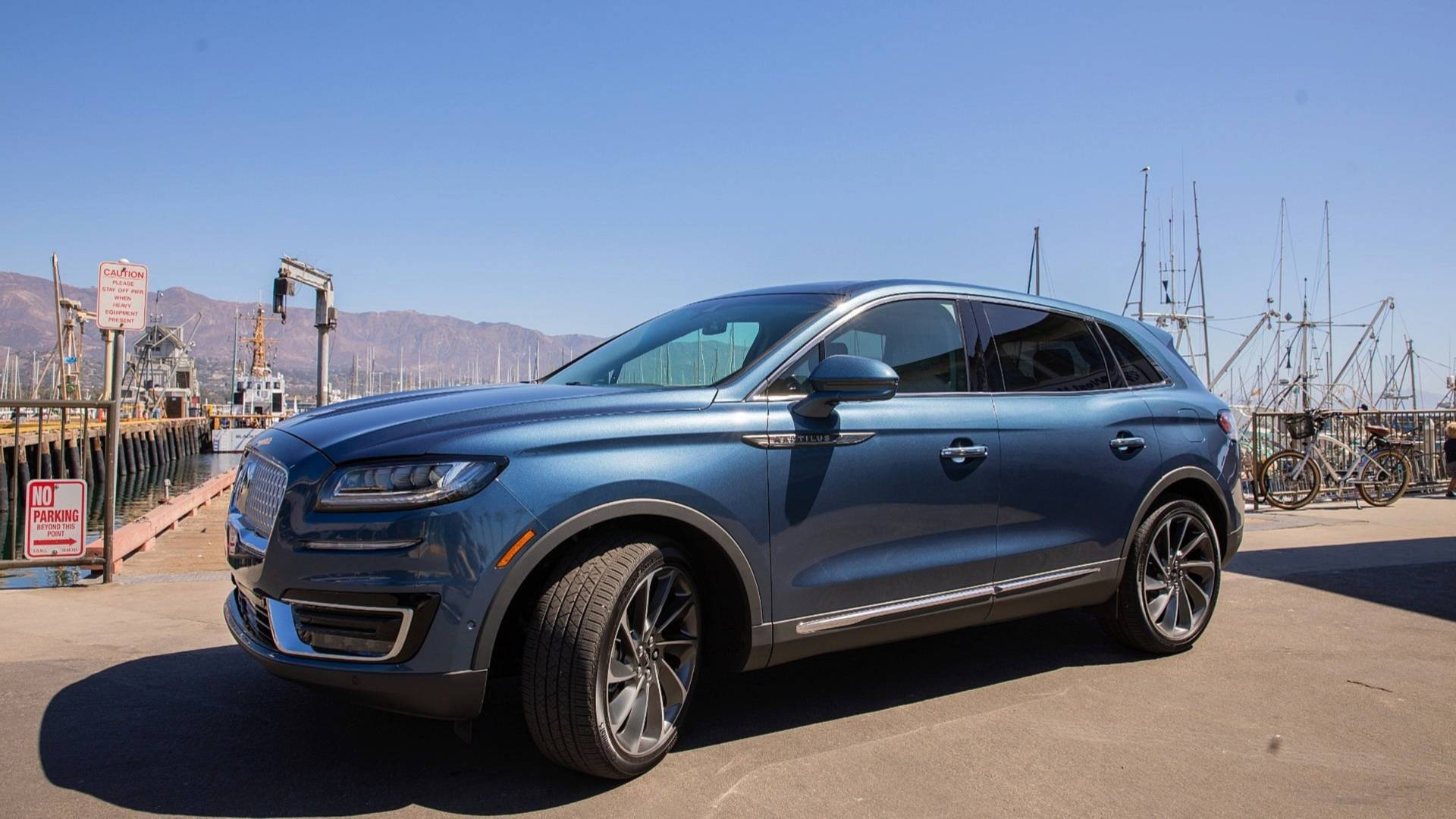 2019 Lincoln Nautilus Reserve First Drive Standing In The Shallow End