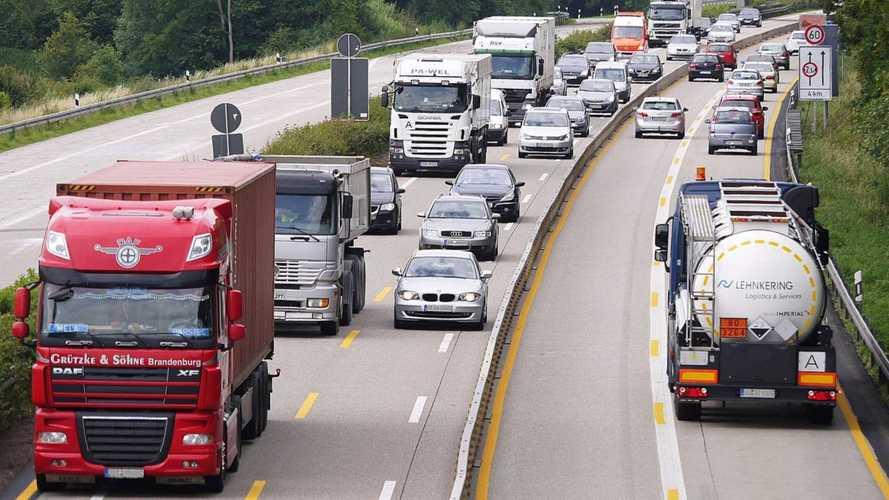 Camionisti: stesse regole per stranieri e italiani