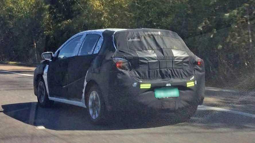 Semana Motor1.com: Flagra dos novos Onix e HB20, Jeep compacto, nova perua Corolla...