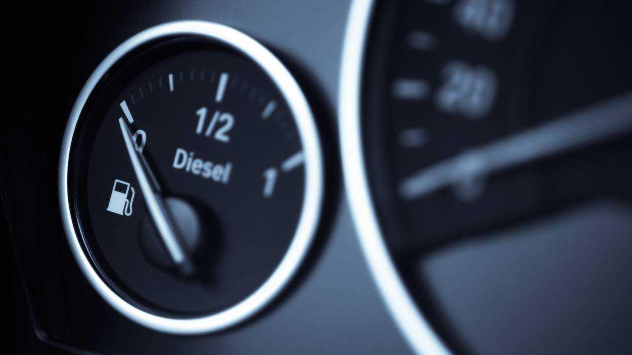 Diesel fuel gauge in a car