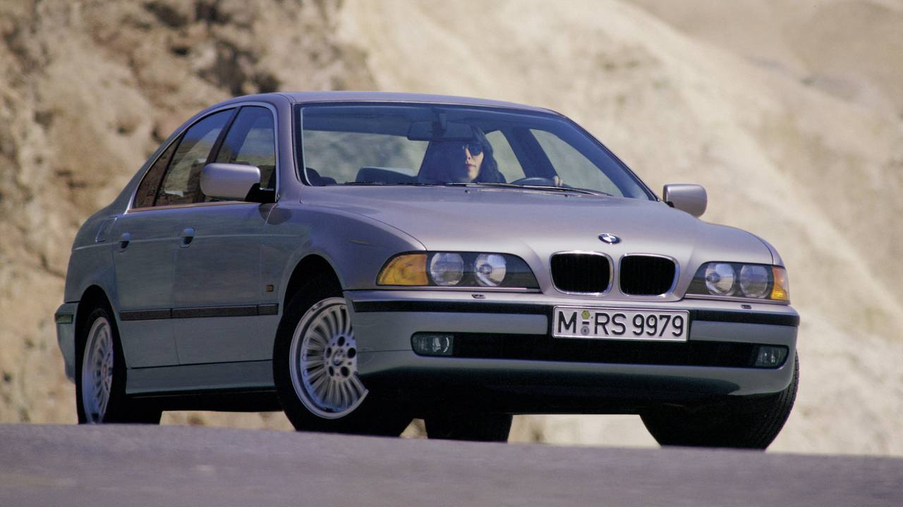 the new bmw 3 series is bigger than an e39 5 series. Black Bedroom Furniture Sets. Home Design Ideas