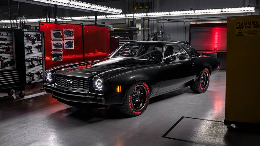 Chevrolet Wraps New Crate Engines In Vintage Builds For SEMA