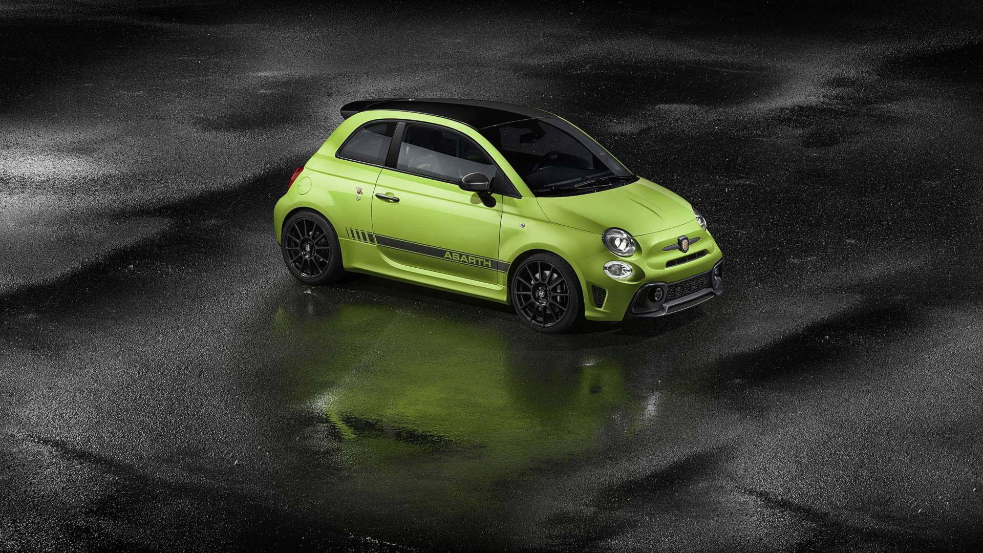 Abarth's Fiat 500-based 595 pocket rocket is updated for 2019