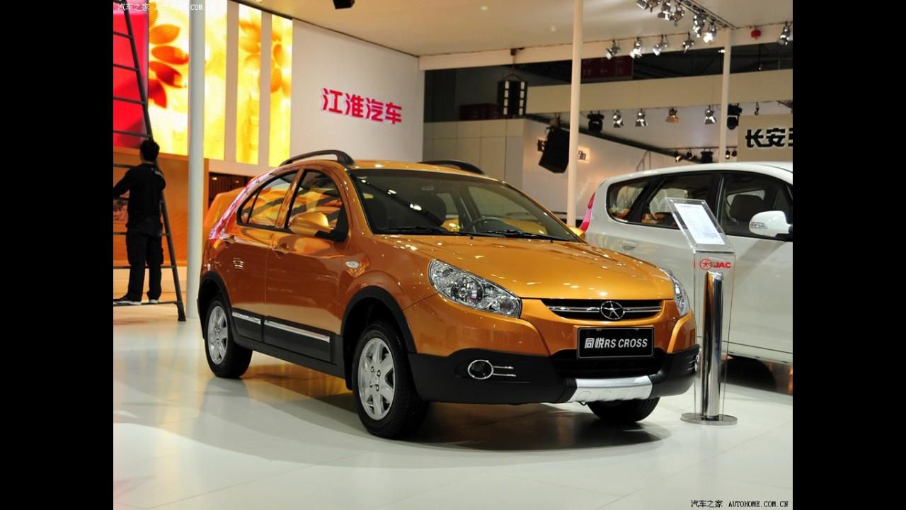 JAC apresenta oficialmente versão aventureira Cross para o J3 na China