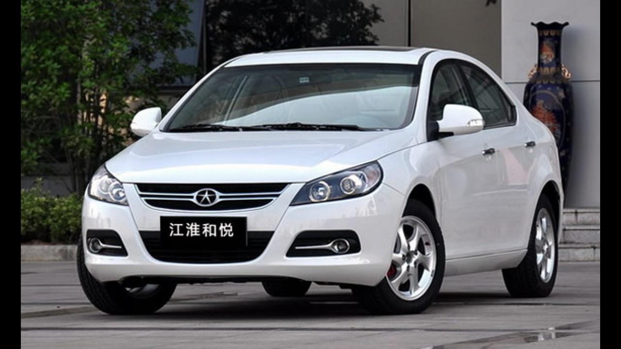 JAC Motors adia lançamento do sedã médio J5 para o primeiro semestre do ano que vem