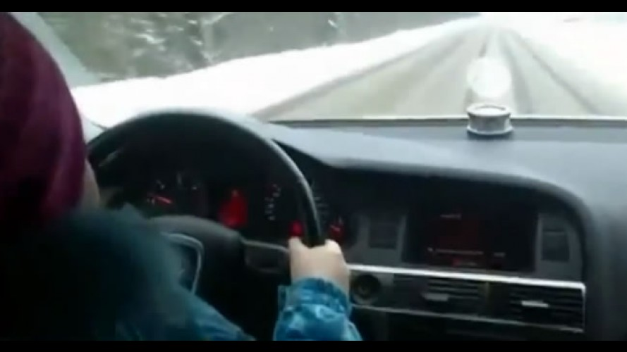 Menina de 8 anos dirige à 100 km/h na Rússia