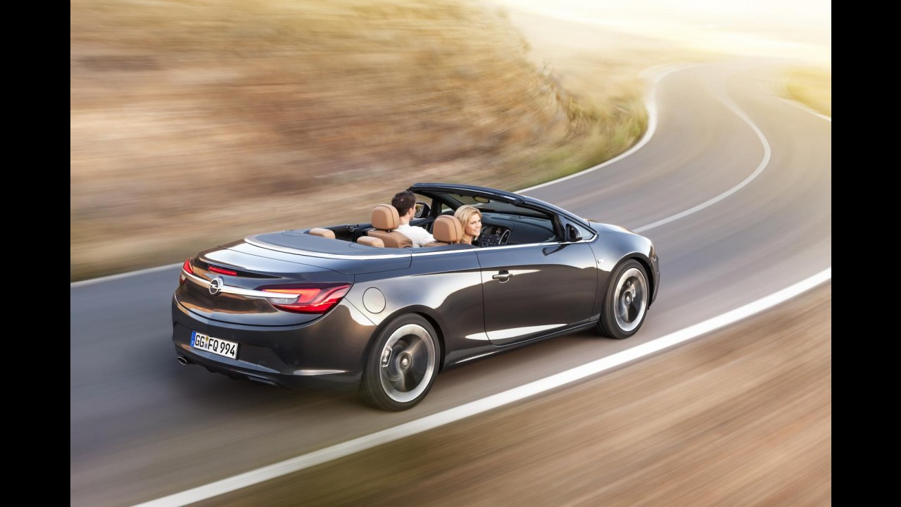 Opel inicia produção do conversível Cascada na Polônia