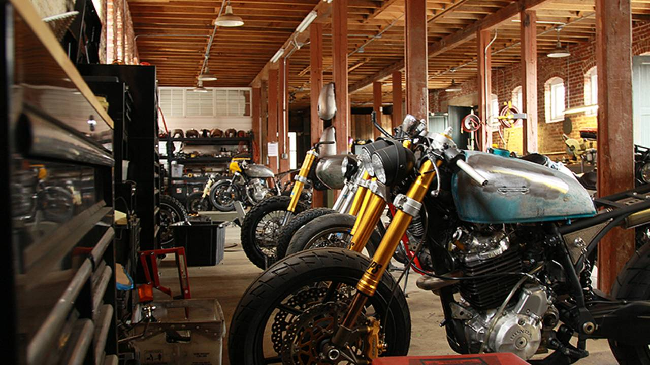 motorcycle custom cafe moto building classified racers barn horse tour racer scrambler idea
