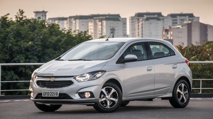 Carros mais vendidos em agosto: Onix bate recorde e vende mais que o dobro do 2º lugar