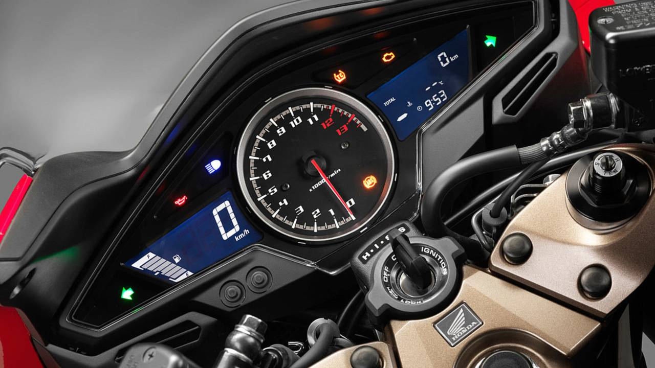 The cockpit is straight off the old bike. That's not bad thing, its digital speedo/analog tach were ahead of their time.
