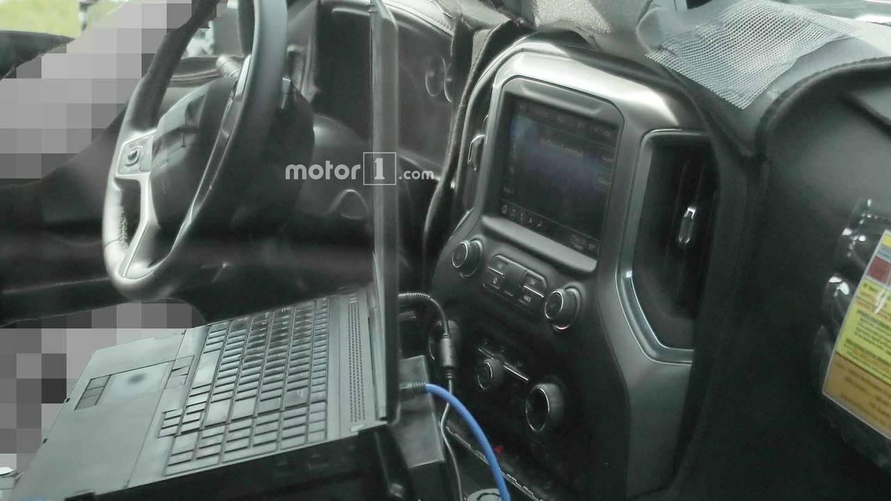 Chevrolet Silverado 3500 HD Spy Shots