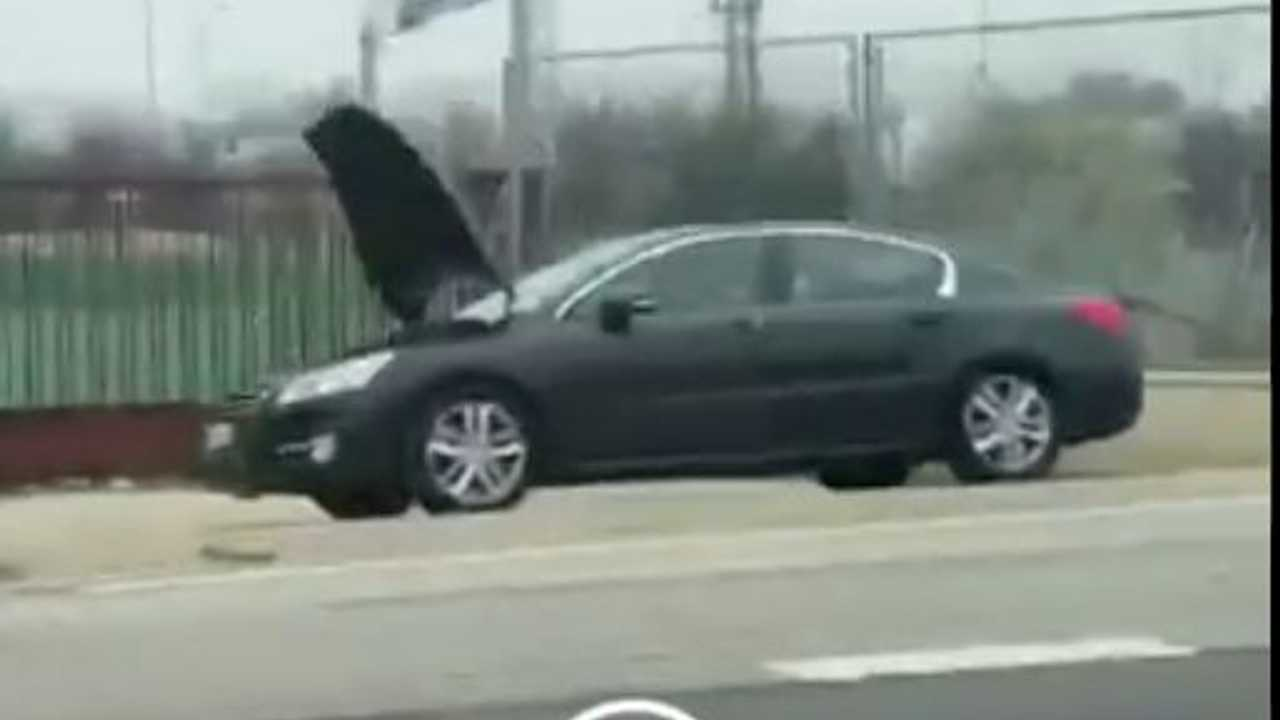 Radar en coche averiado