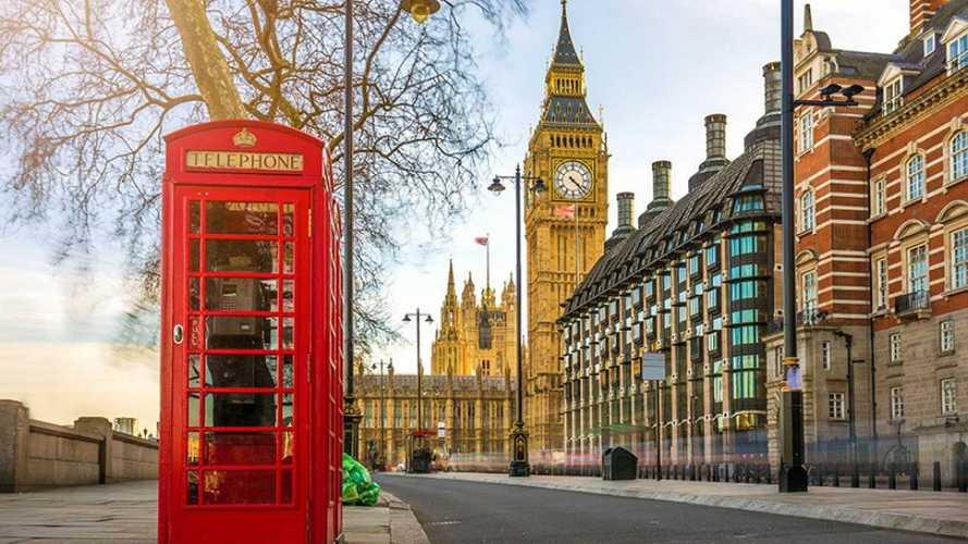 La Grande-Bretagne interdira la vente de véhicules thermiques en 2030