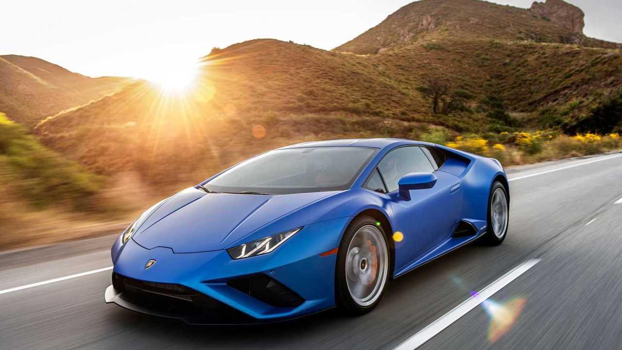 2020 Lamborghini Huracan Evo RWD front quarter action