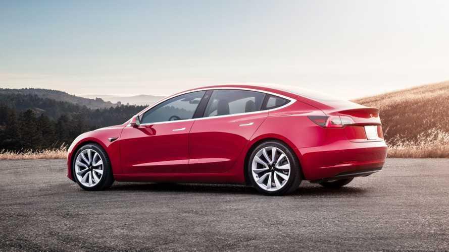 Çin üretimi Tesla Model 3'e büyük şarj güncellemesi