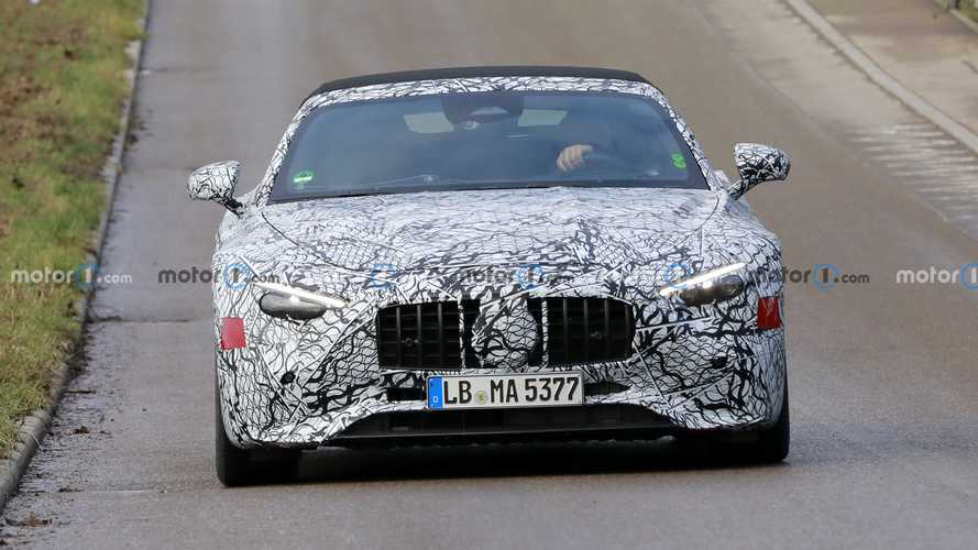 2022 Mercedes-Benz SL new spy photos