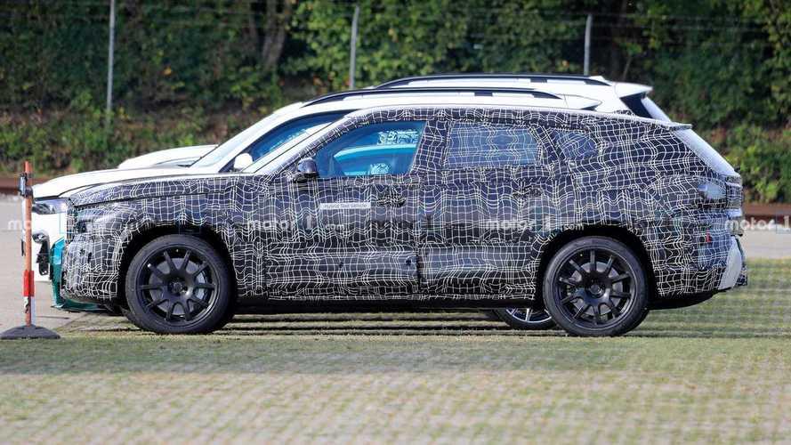 BMW X8 M, il super SUV da 750 CV