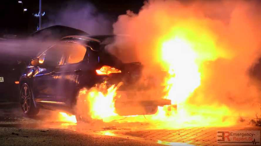 Watch Opel Ampera-e catch fire in Germany