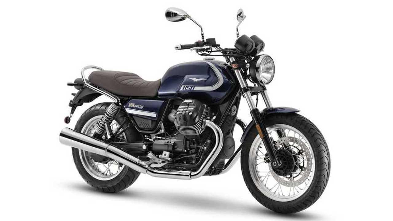 2021 Moto Guzzi V7 Special, Studio, 3/4 Front