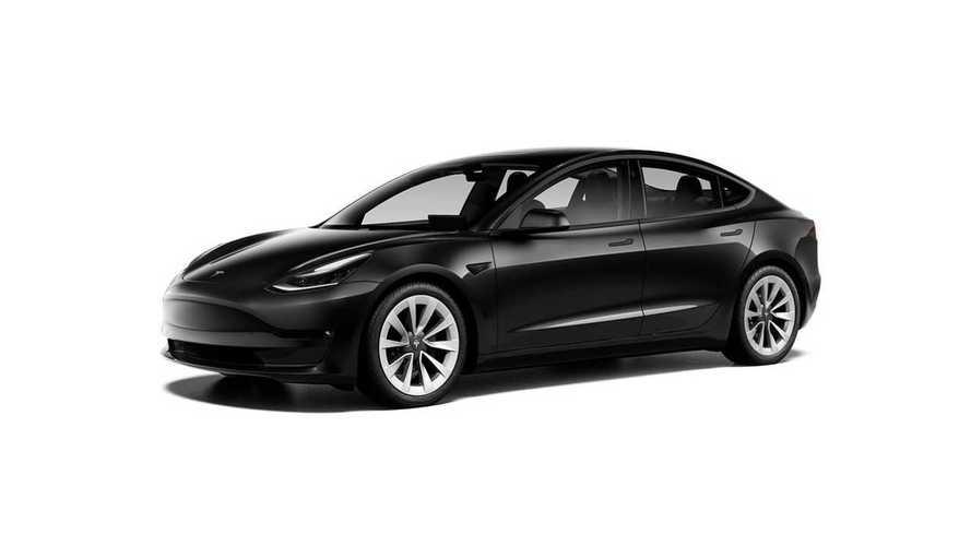 Tesla снимает с производства самую доступную модель