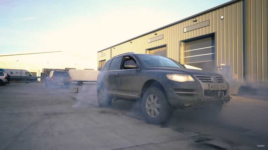 Twin Brothers Battle In Diesel Tug-Of-War With VW Amarok, V10 Touareg