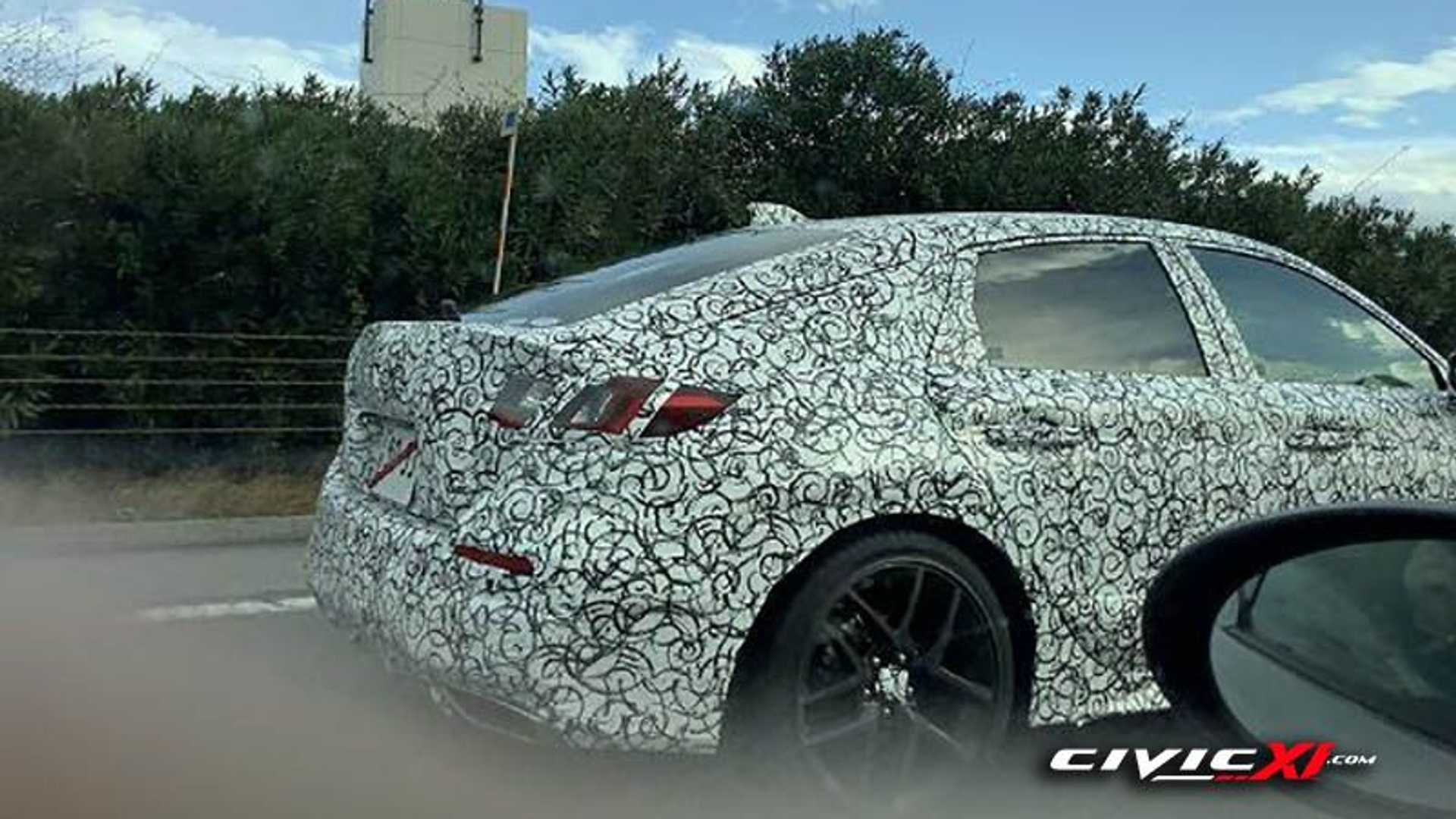 2022 Honda Civic Hatchback Makes Spy Photo Debut With Fastback Look