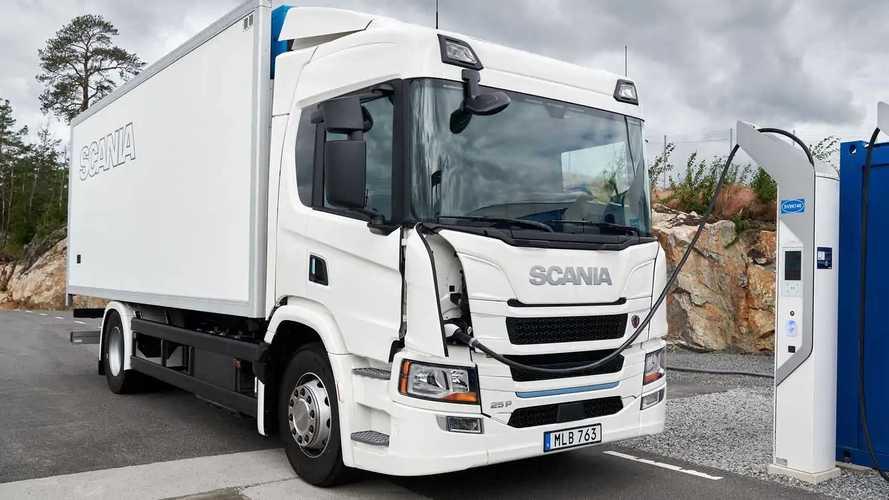 I camion elettrici sono molto più green del gasolio: lo studio