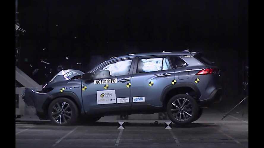 Novos Toyota Corolla Cross, Hilux e SW4 recebem nota máxima em crash-test