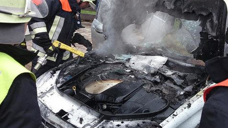 Brand new Mercedes-Benz S-Class declared total loss after engine fire