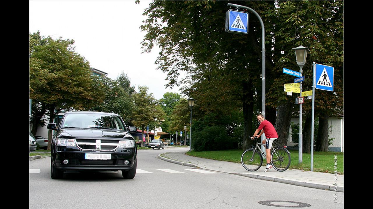 Zebrastreifen: Muss man auch für Radfahrer anhalten?