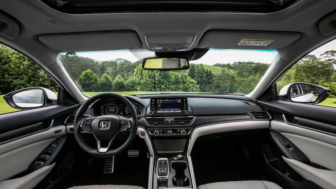 Teste Instrumentado: Honda Accord Touring 2019 faz frente aos alemães? Console-honda-accord-2019