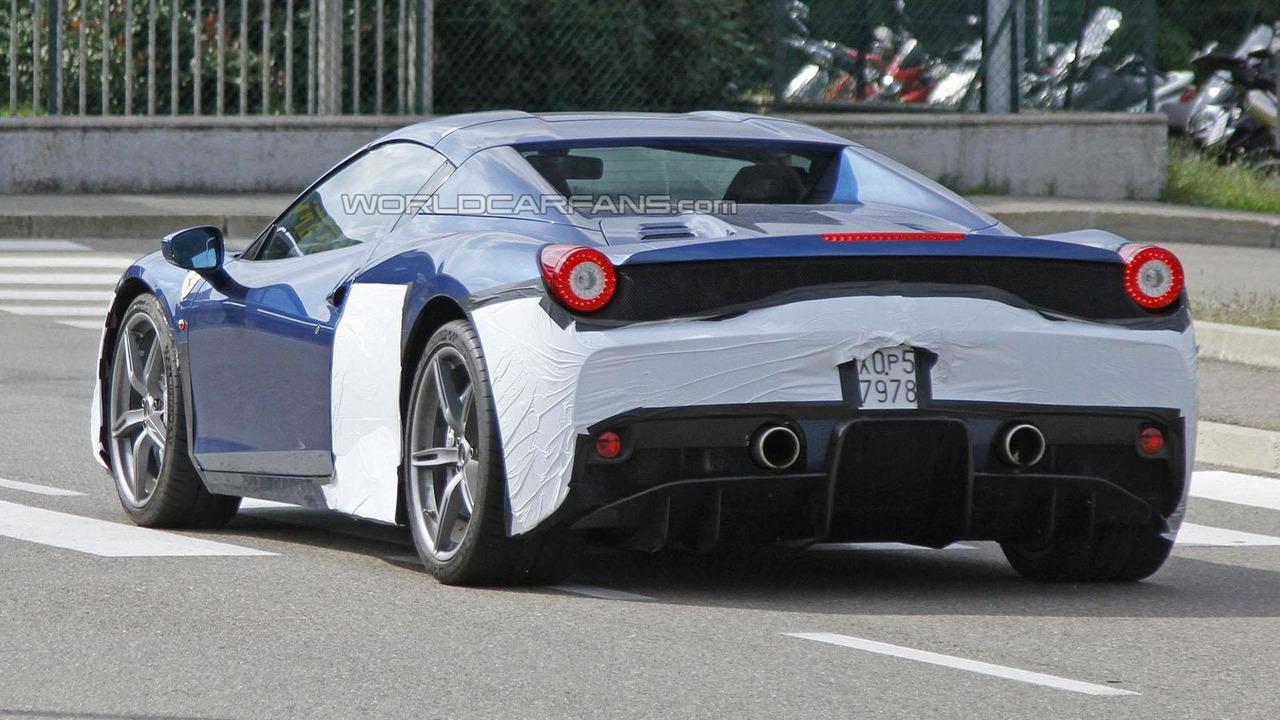 Ferrari 458 Speciale Spider spy photo