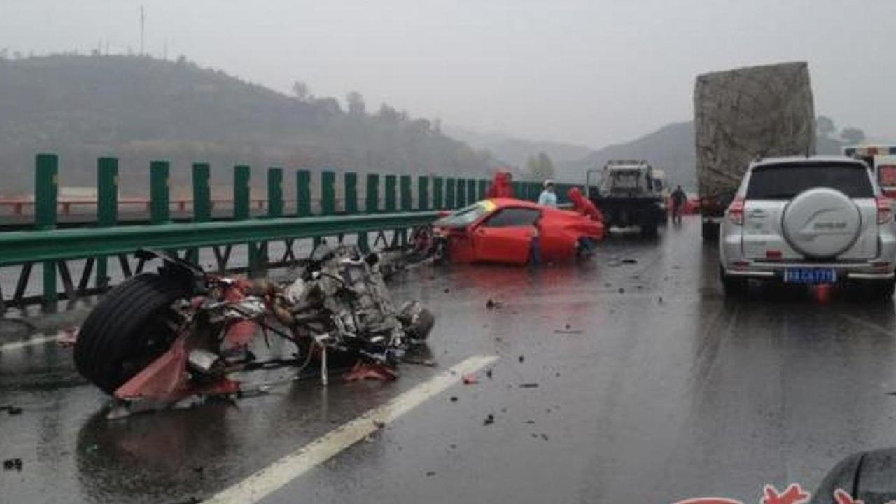 Ferrari 458 Spider and California crash