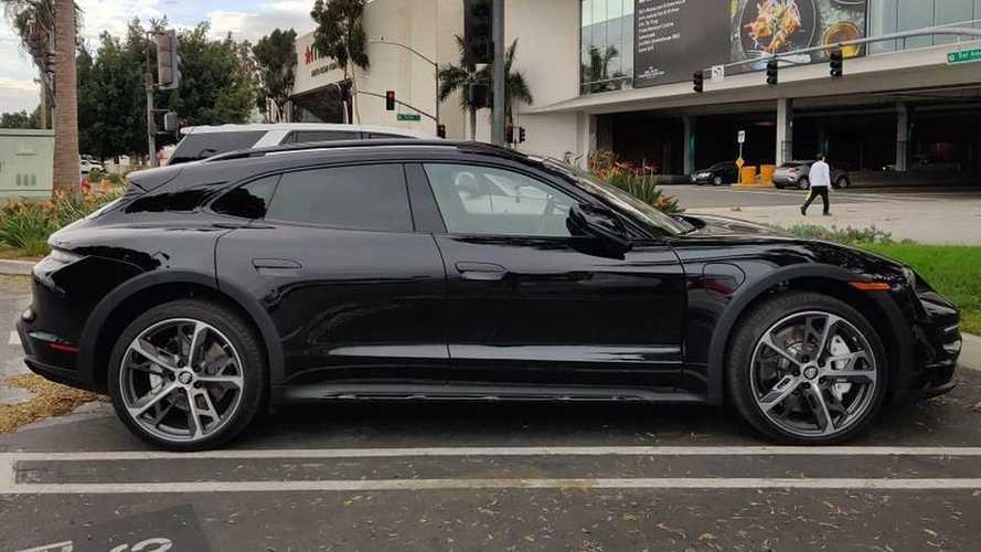 2022 Porsche Taycan Cross Turismo Spied With Cool Wheels