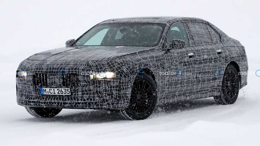 Next-Gen BMW 7 Series Spied With Its Chin Up In The Snow