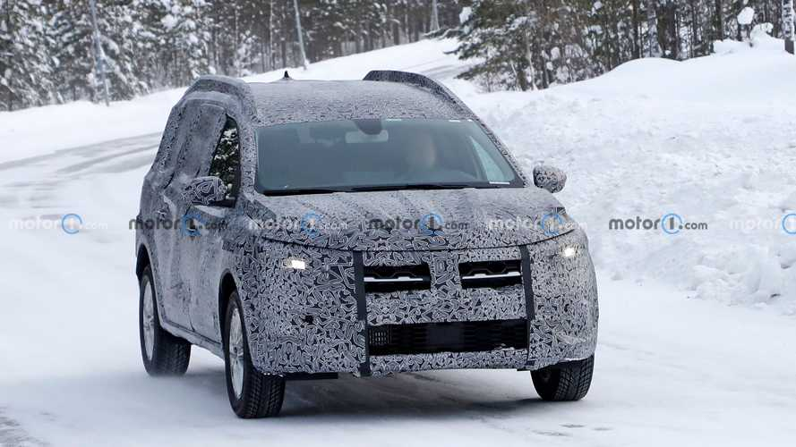 2022 Dacia Logan Stepway wagon spy photos