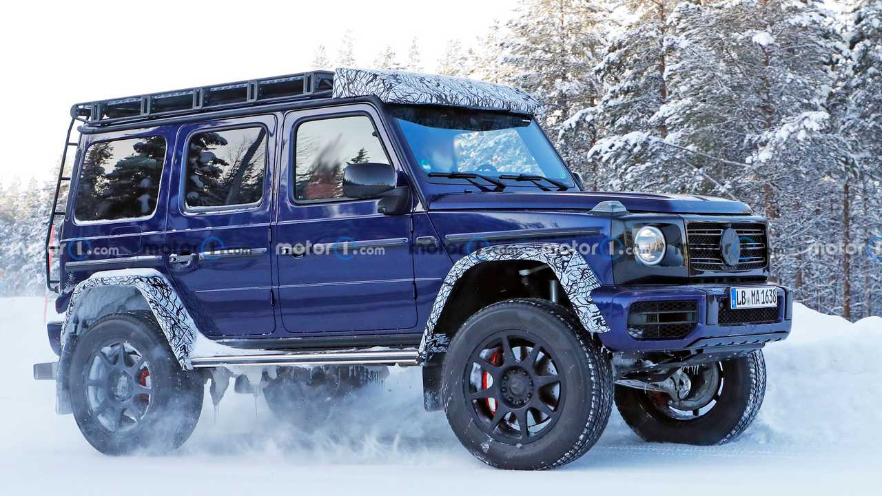 2022 Mercedes G-Class 4x4 Squared spy photo (front three-quarters)